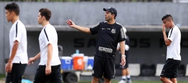Ex-Santos vai reforçar o Corinthians