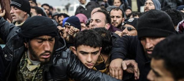 Tusk: EU-Türkei-Gipfel muss Flüchtlingszustrom in EU verringern - sputniknews.com