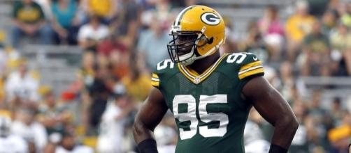 Datone Jones suspended for first game of 2015 - packers.com
