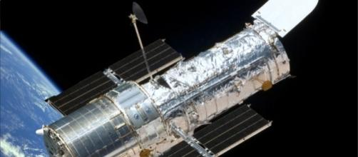 Hubble Space Telescope History - Hubble Telescope - aerospaceguide.net
