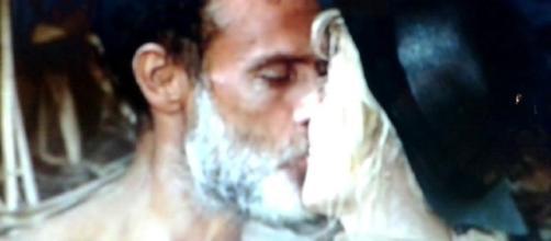Il bacio tra Raz Degan e Paola Barale