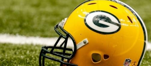 The Packers need to get moving in free agencyif the want to fill the holes they have - lombardiave.com