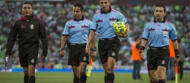 Árbitros de la Liga MX levantan la huelga.