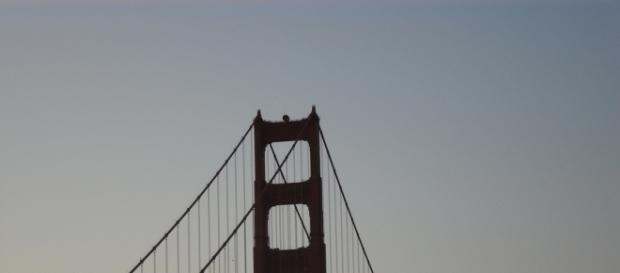 El Golden Gate se recorta contra el atardecer