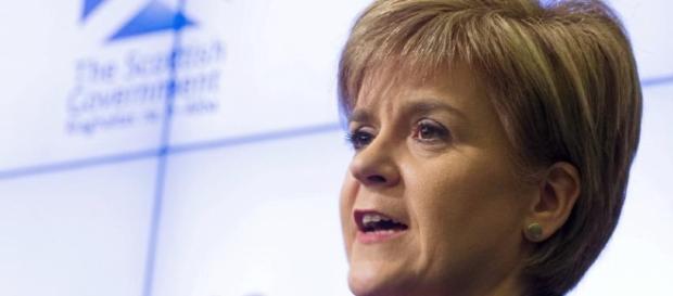 Nicola Sturgeon, la premier scozzese chiede un referendum