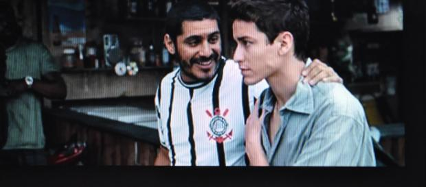 O ator e cantor Criolo e o ator Jesuíta Barbosa. ( Foto de Manoel Fernandes).