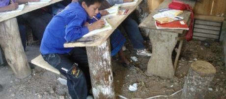 La educación carece de lo primordial para subsistir