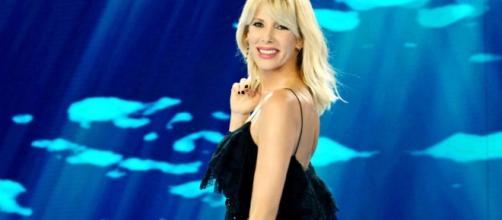 dei famosi 12: Raz Degan chiama amore Paola Barale - primapaginaitaly.com
