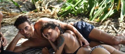 Isola dei Famosi: Malena e Susinna fanno l'amore?