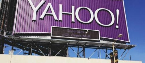 U.S. senator calls for SEC probe of Yahoo disclosures on hacking ... - venturebeat.com