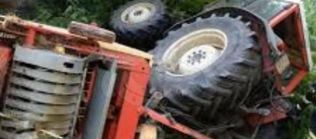 Deruta: un uomo travolto dal trattore, è grave.