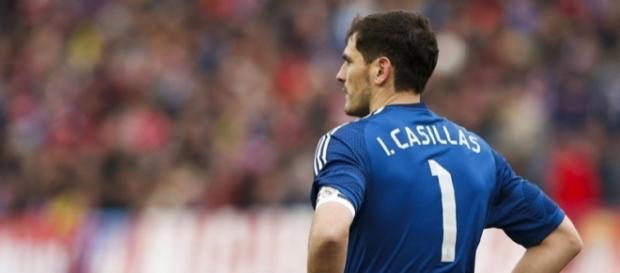 Iker Casillas ultima su fichaje por el Oporto y a Sara Carbonero ... - hola.com