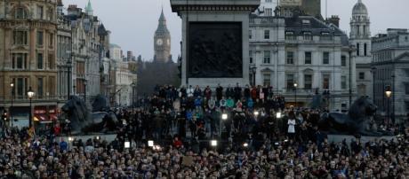 Panoramica della Veglia avvenuta alle 18 di giovedì 23 marzo, Trafalgar Square (credits: Internazionale)