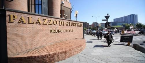 Ragazza 17enne denuncia un santone per stupri di gruppo a Torino.