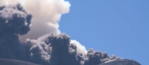 Etna, esplosione provoca dieci feriti