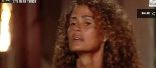 Isola dei Famosi: Samantha De Grenet contro Giulio Base