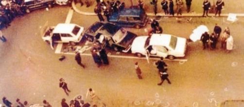 Un'immagine della strage di via Fani del 16 marzo 1978