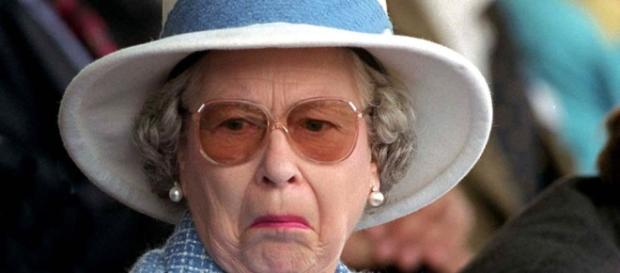 Chissà che ne pensa la regina Elisabetta II dei 'preparativi' ormai non più top secret per il suo funerale. Sarà scaramantica? Foto: Web.