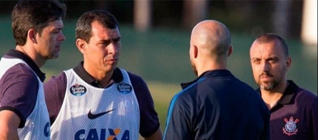 Comissão técnica do Corinthians fará lista de dispensa para enxugar elenco
