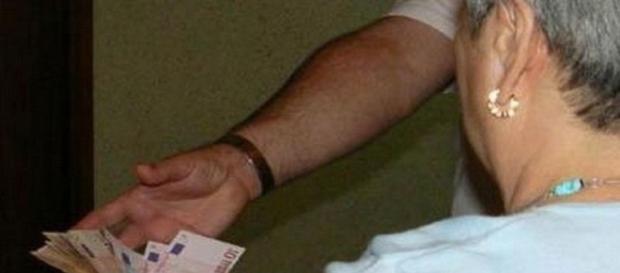 Raggira anziana facendosi nominare erede universale: un arresto a Rovigo