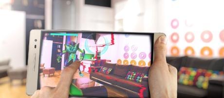Volantino Unieuro Vs volantino Esselunga di marzo/aprile 2017 con offerte sottocosto su giochi per PS4 e Xbox One, cellulari Samsung, Huawei P9 Lite.