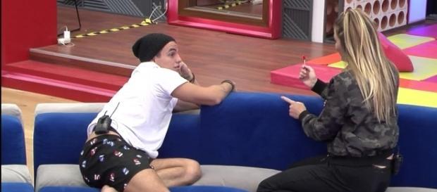 Antônio y Alyson conversaron durante toda la noche y se fueron a dormir a las 7 de la mañana
