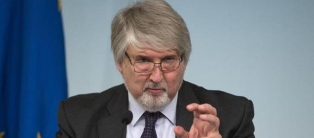Il ministro Giuliano Poletti spiega i motivi dell'abolizione dei voucher