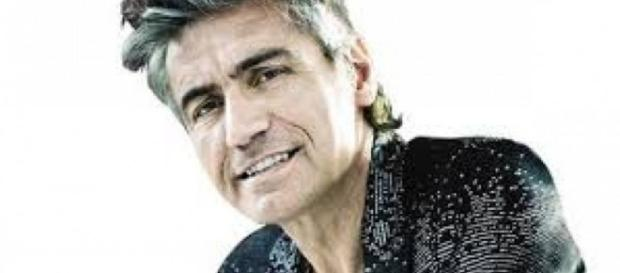 Luciano Ligabue, cantante tour made in Italy