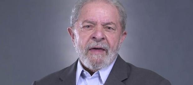 Lula mentiu em duas ocasiões, disse colunista