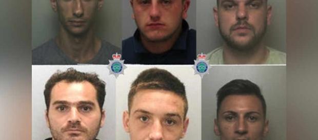 Membrii unei bande de hoți români condamnați la 47 ani de închisoare în UK