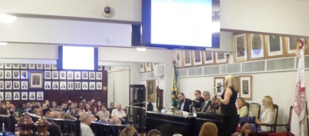 """O seminário """"Passando a limpo a reforma da previdenciária"""" foi no plenário do IAB, no Centro do Rio (Foto: José Moutinho)"""