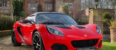 2017 Lotus Elise launched with new lightweight Sprint edition ... - autocar.co.uk