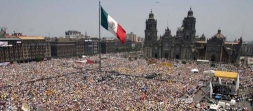 Frente a las amenazas de violencia y el saqueo descomunal de México, lo más inteligente es formar una coalición de millones de Mexicanos decididos