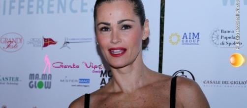 L'Isola dei Famosi, Samantha De Grenet teme di finire in nomination.