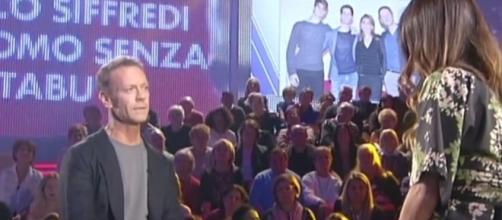 """Rocco Siffredi piange in diretta: """"La mia vita segnata da dramma"""" - leggo.it"""