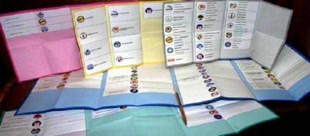 Nell 39 ultimo mese ne sono nati 7 i partiti italiani sono for Numero dei parlamentari italiani