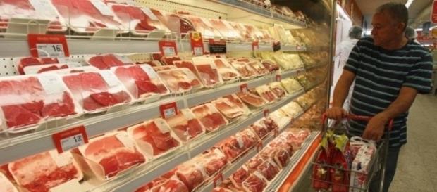 Dicas para não comprar carne estragada