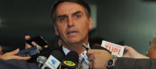Jair Bolsonaro deve trocar de partido em breve (Foto: Reprodução)