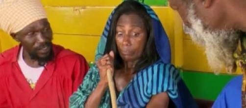 Glória Maria fala para Ana Maria Braga como foi a experiência de fumar maconha (Foto: Reprodução/Vídeo)