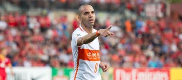 Atualmente no Shandong Luneng, Diego Tardelli foi sondado pelo Corinthians