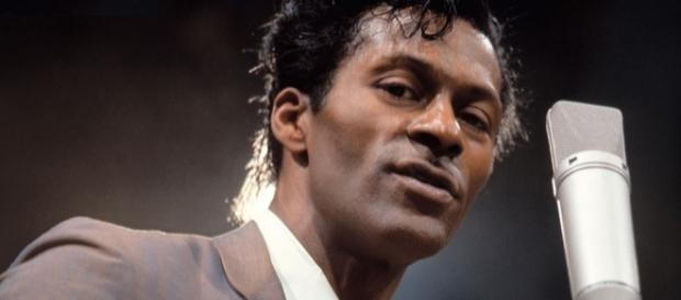 Estilo de Chuck Berry ajudou a promover uma linguagem própria do rock