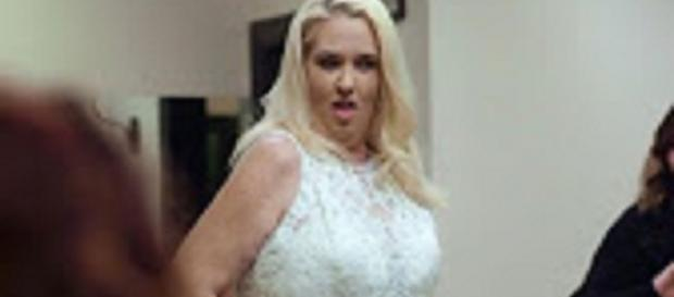 Source: Youtube Wochit. Mama June wins with boob job, loses with weight loss