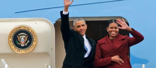 Barack, Michelle Obama Sign Record-Breaking $60 Million Book Deal ... - inquisitr.com