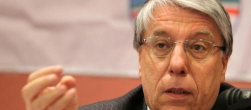 """Carlo Giovanardi parla di eutanasia e legge sul """"fine vita"""" (Foto: loccidentale.it)"""