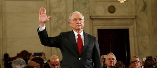 Elizabeth Warren and Nancy Pelosi call on Jeff Sessions to resign ... - usaonlinejournal.com