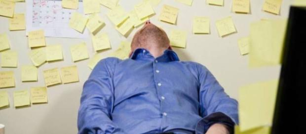 Estudo aponta que trabalhar oito horas por dia não gera produtividade.