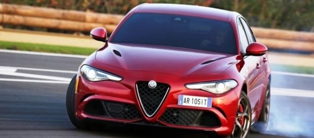 Alfa Romeo Giulia Quadrifoglio: il test di Clarkson per il ... - sportfair.it