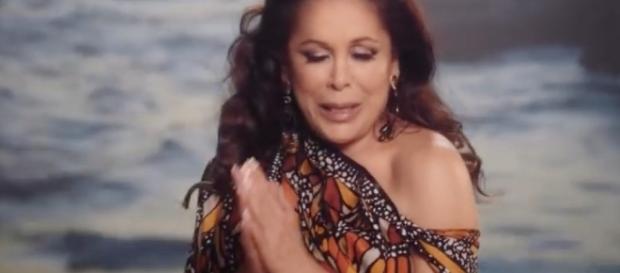 En su nuevo video, Isabel Pantoja llora por Juan Gabriel | Variety ... - varietylatino.com