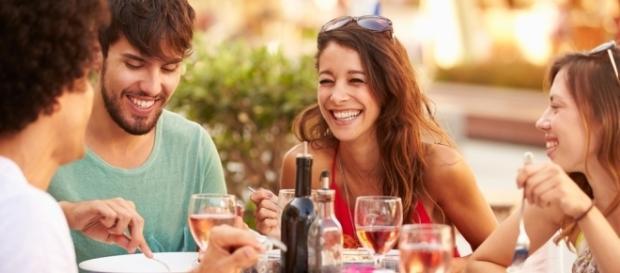 Homens e mulheres têm formas diferentes de manter a amizade, de acordo com estudo