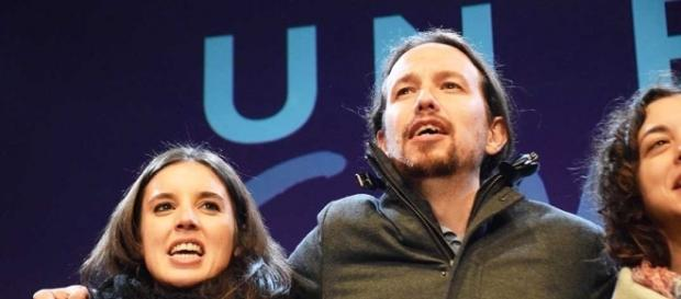 "Pablo Iglesias ""Dos Mujeres y un Destino"" – Disparates Magazine - disparatesmagazine.com"